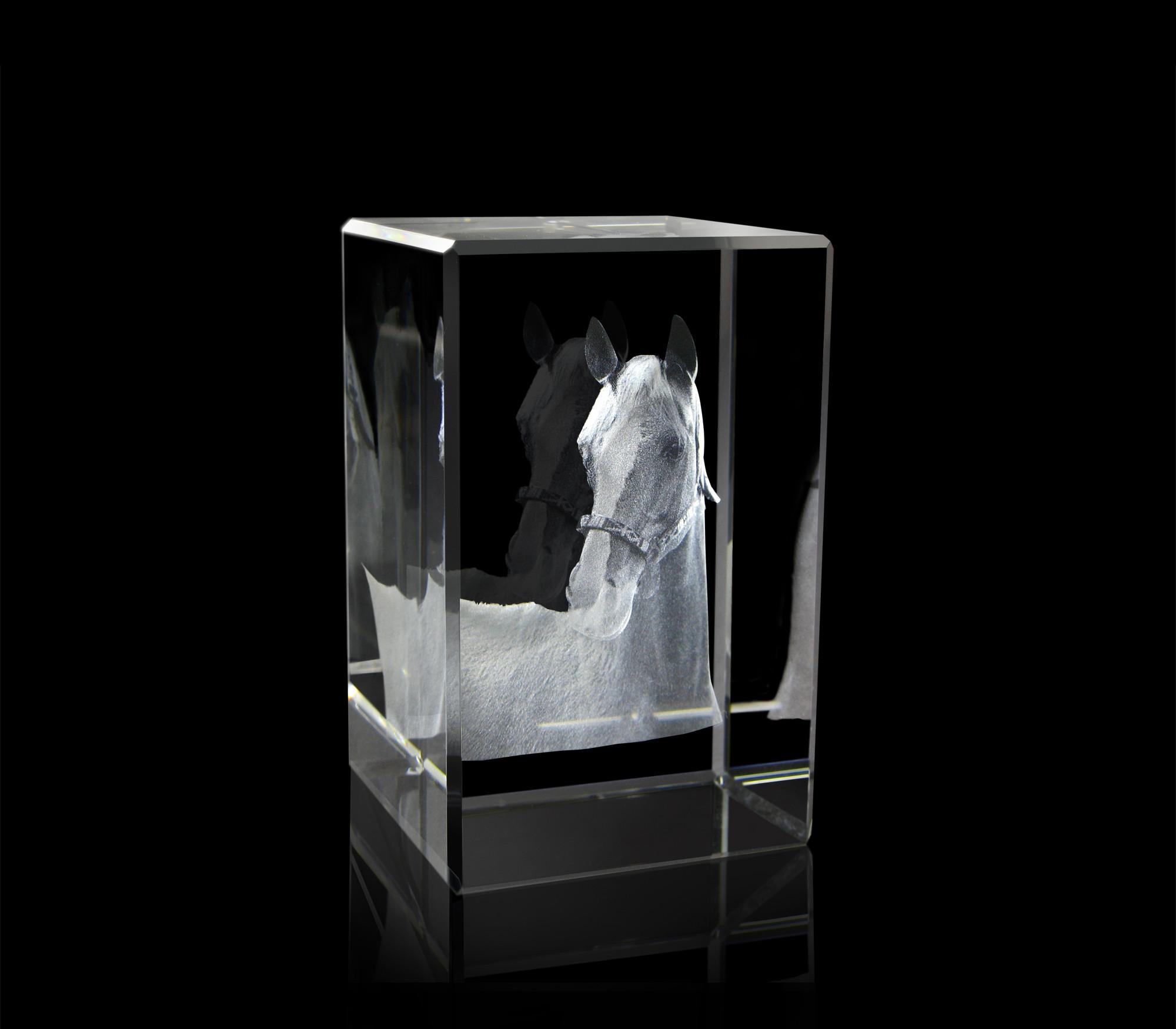 3d Glazen Kubus.Kristalglas Kubus Met 2d Of 3d Gravure